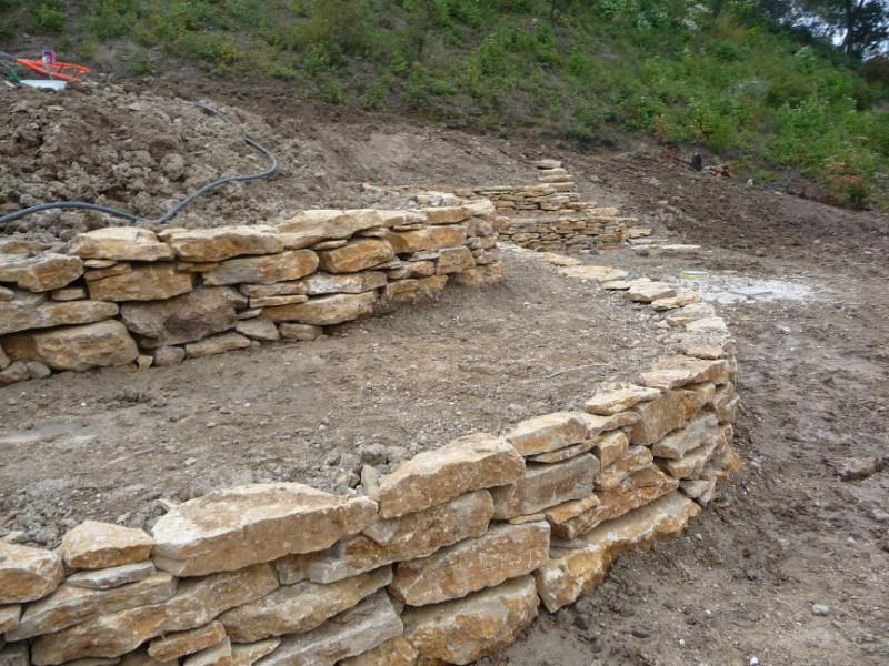 construction de murets en pierres la ciotat bandol hy res pierres de provence. Black Bedroom Furniture Sets. Home Design Ideas