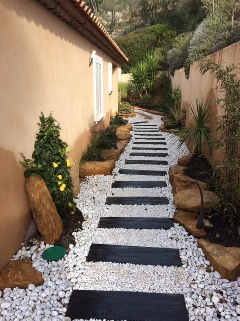 Cr ation d 39 un jardin contemporain sur sanary paysagiste for Creation jardin contemporain