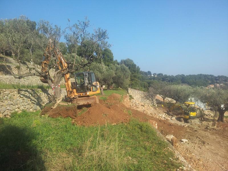 Terrassement pour la construction de 2 maison sur ollioules bandol hy res pierres de provence - Traitement olivier bouillie bordelaise ...