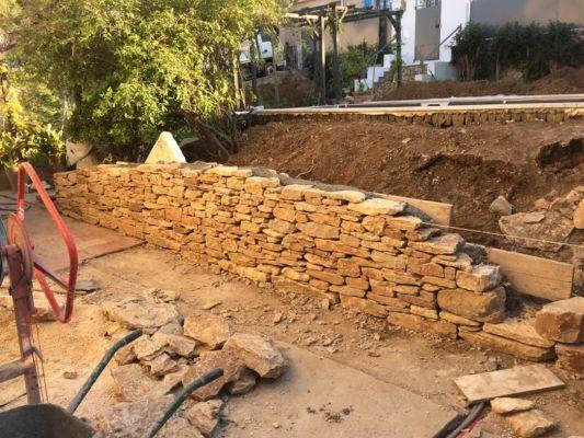 construction pose de mur et parement en pierre naturelle bandol pierres de provence. Black Bedroom Furniture Sets. Home Design Ideas